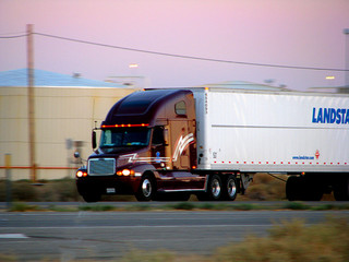 U.S. Trucking Industry Experiencing Promising Growth